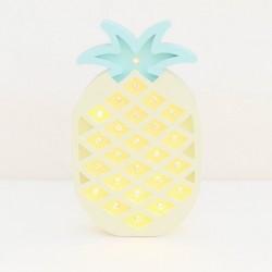 Luz/Lámpara Decorativa de Madera con Formas Ananá